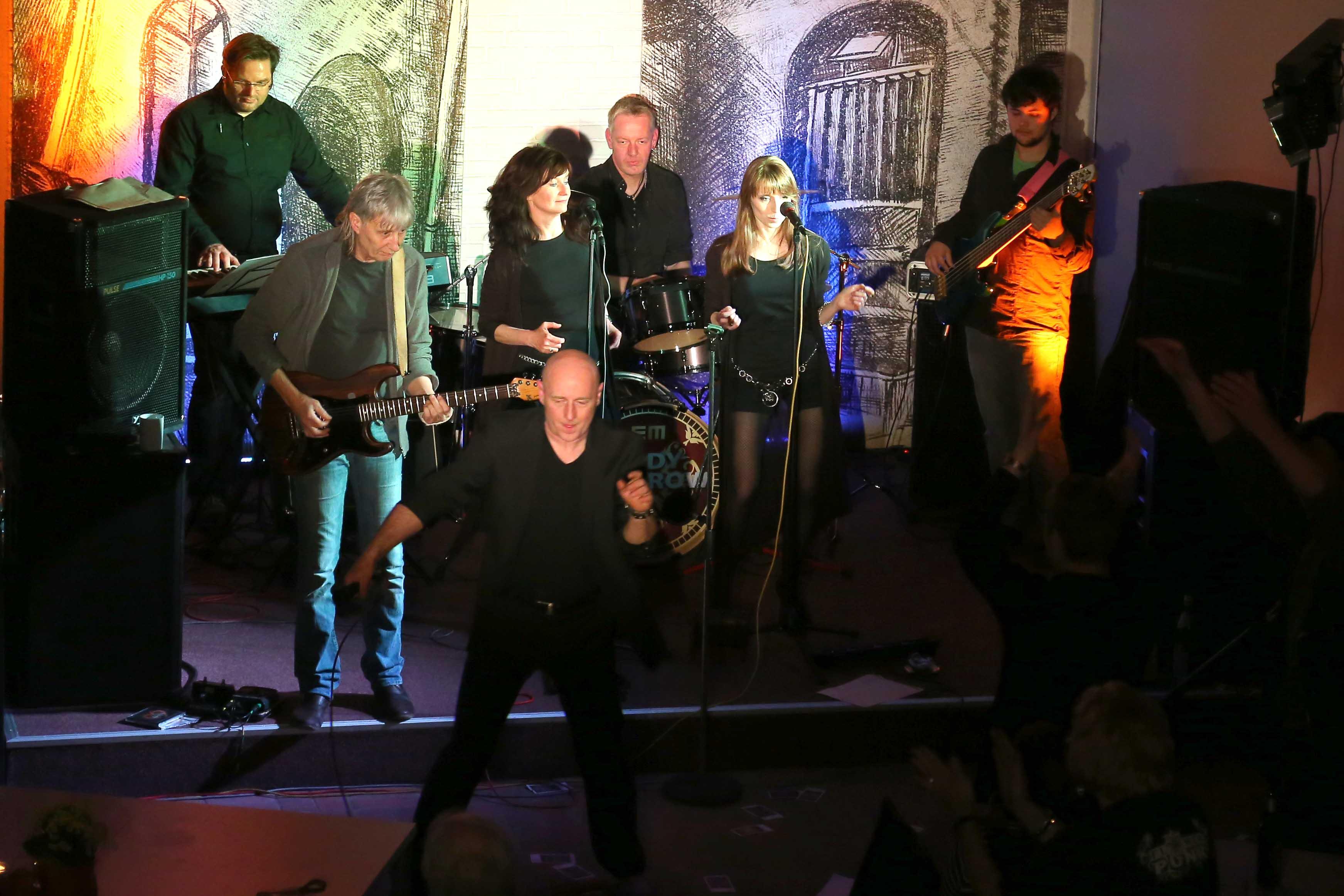 Eddy Monrow rockt die Kirche in Kiel ...