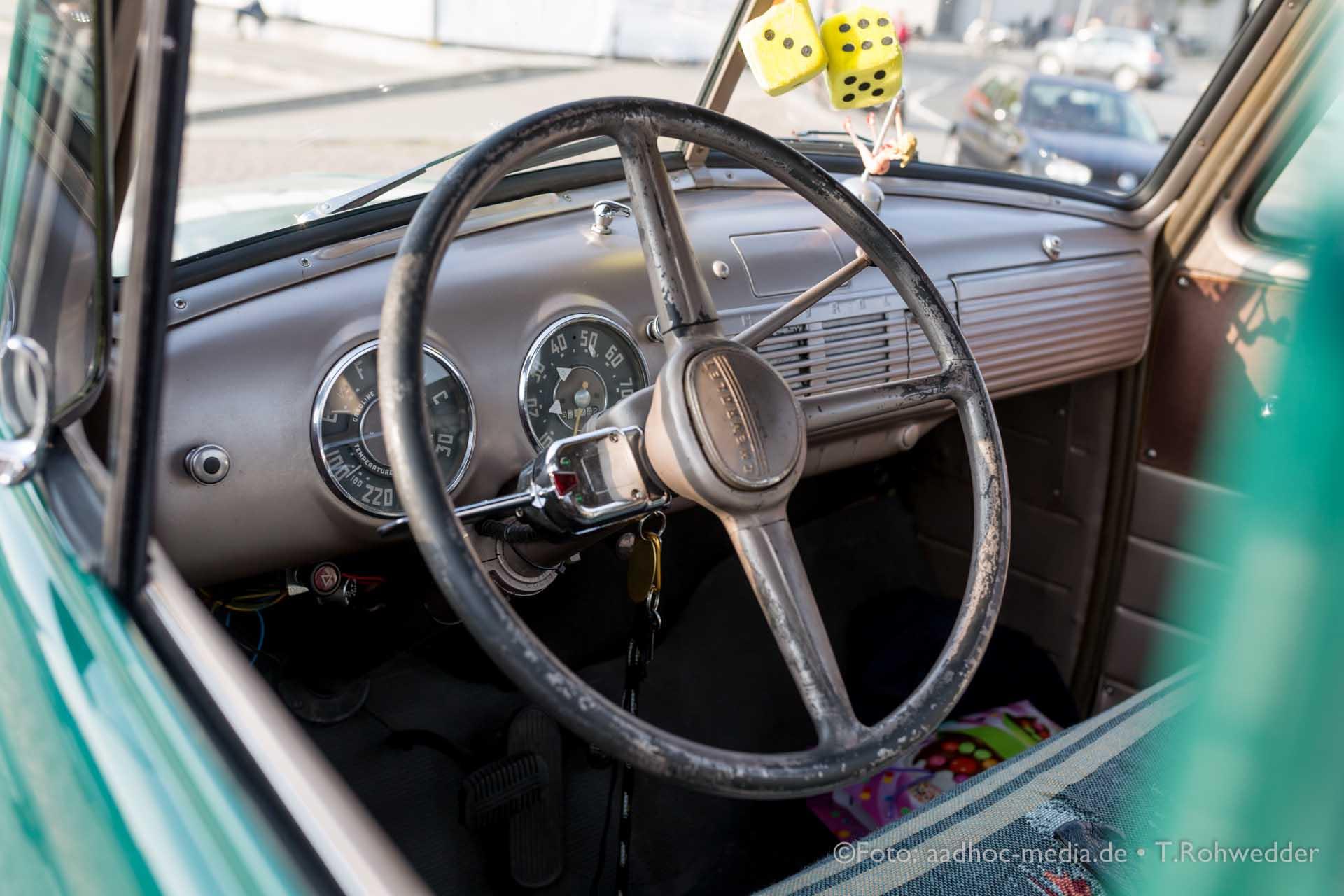 Oldtimer - Chevrolet 3100 Cockpit - Bauern- und Regionalmarkt Kiel