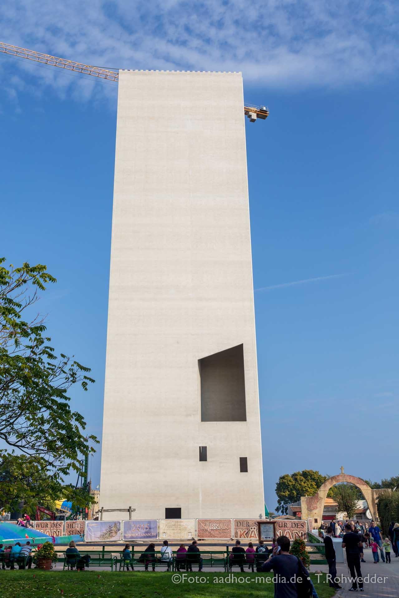 Gigantischer Turm des neuen HYPER-COASTER - Der Schwur des Kärnan im Hansapark an der Ostsee - mal keine Hochzeit fotografieren ...