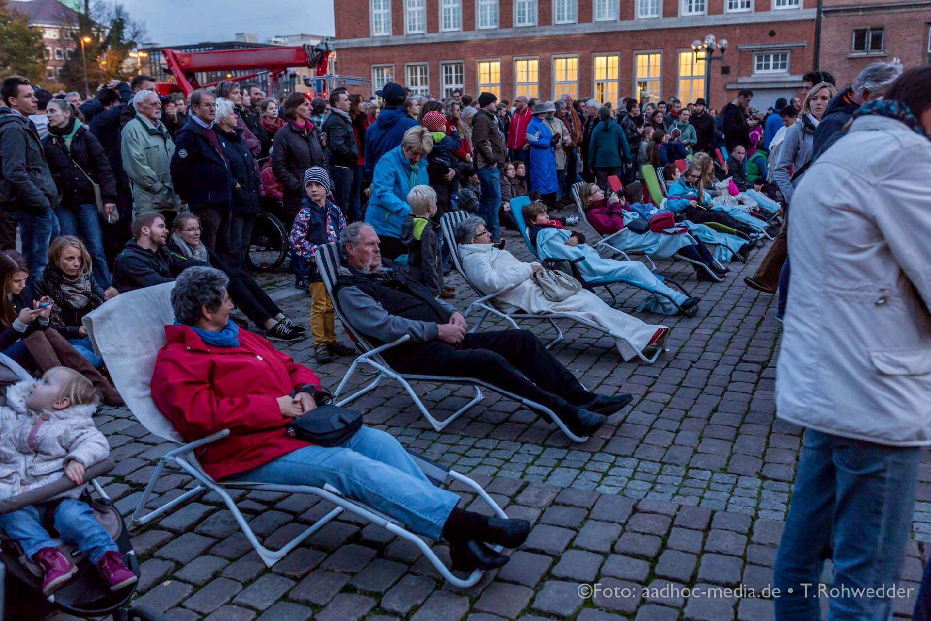 Nach Berlin und vielen anderen Metropolen gibt es das Festival of Lights jetzt auch in Kiel. Das Besondere - die Maritimen Motive! ©Foto: Thomas Rohwedder - Momentalist - aadhoc-media.de