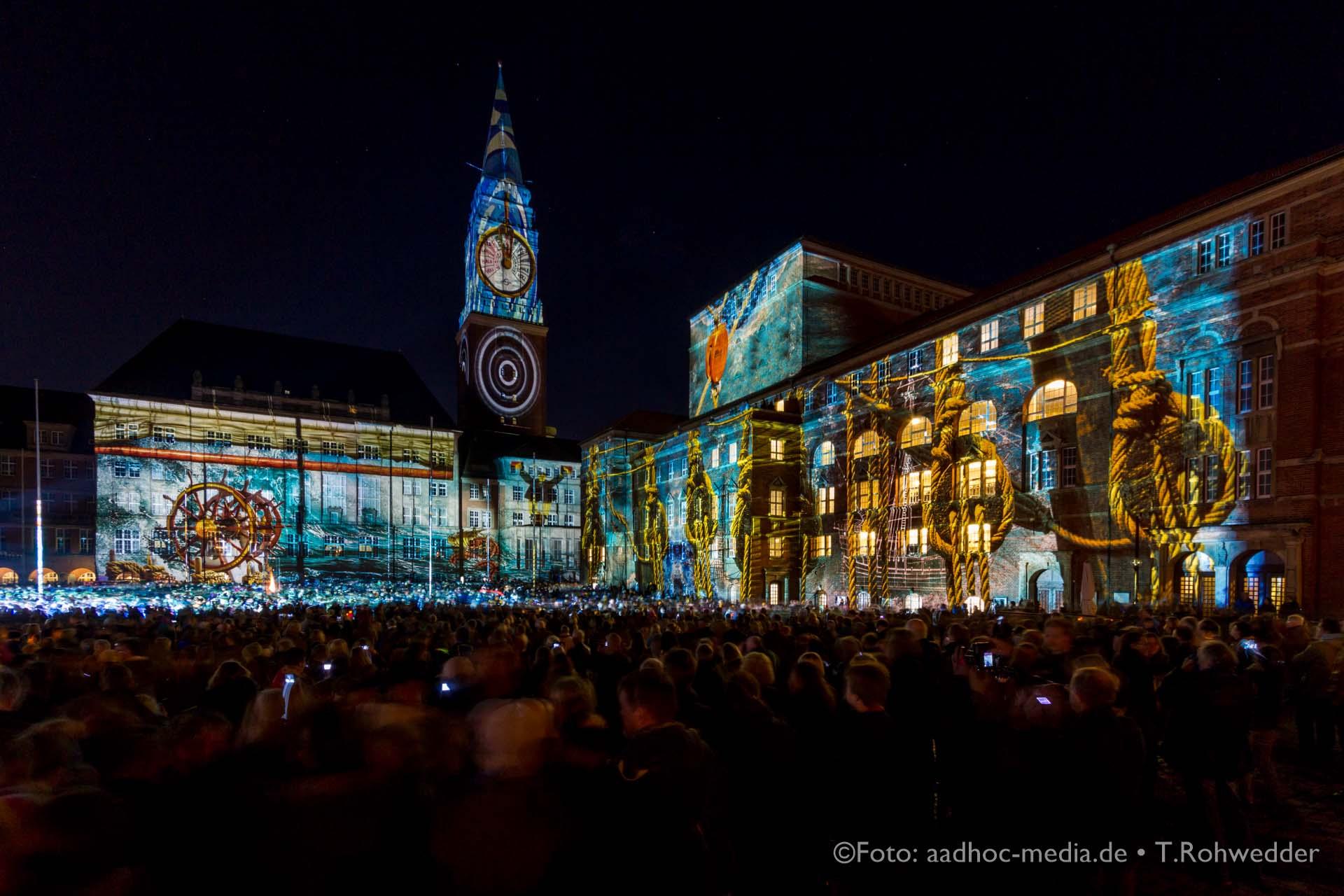 Nach Berlin und vielen anderen Metropolen gibt es das Festival of Lights jetzt auch in Kiel.