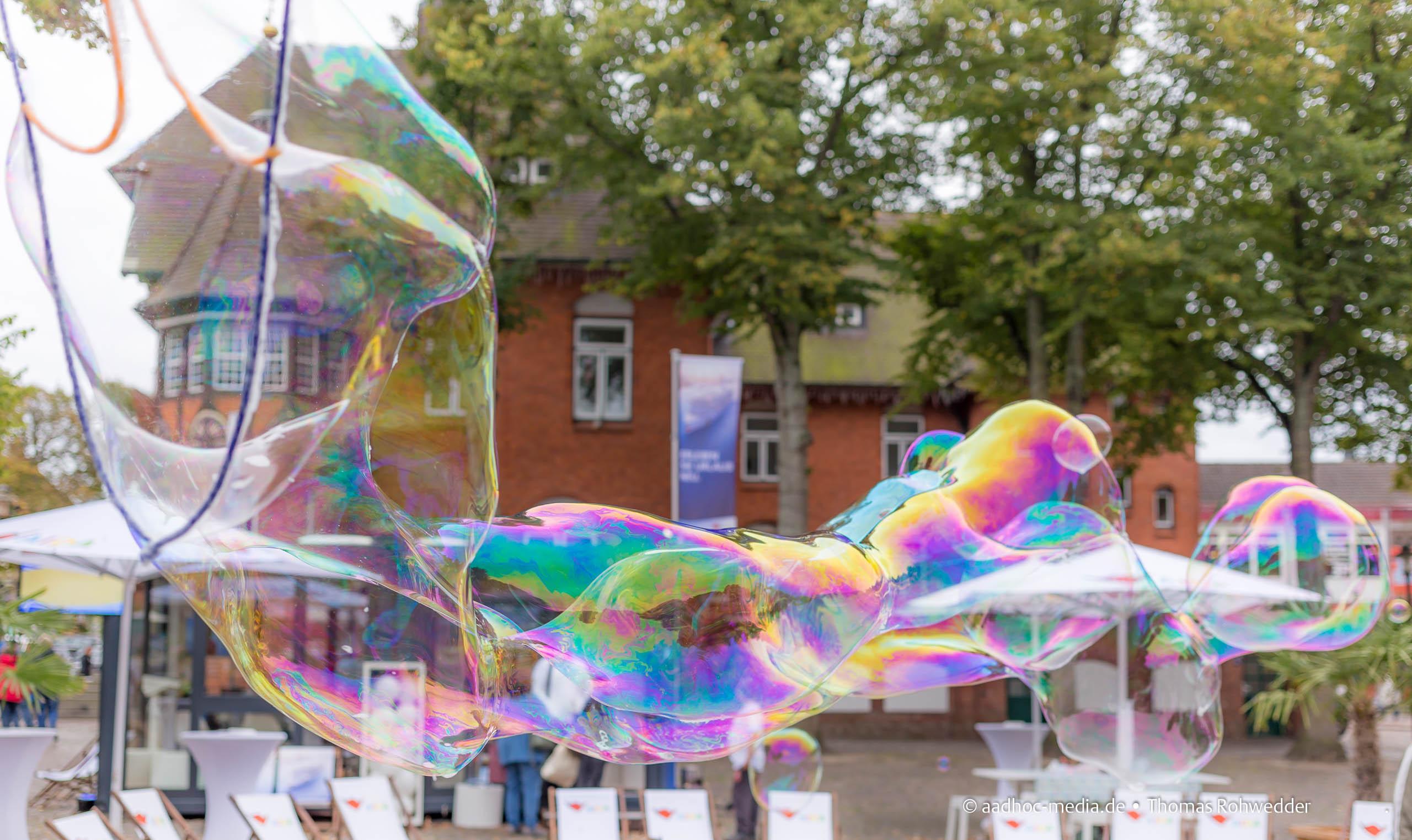 Seifenblasen - Fotograf Kiel - © aadhoc-media.de - Thomas Rohwedder