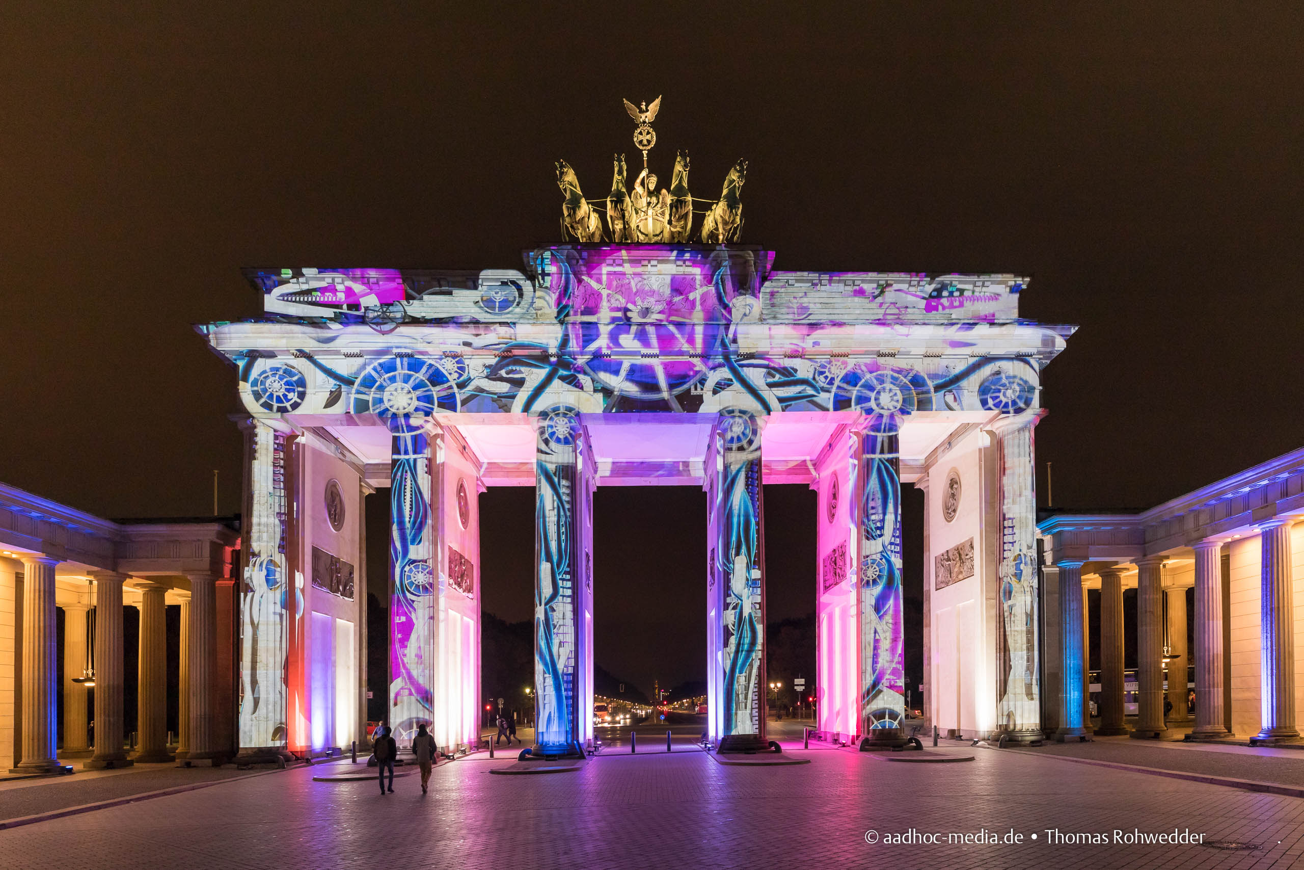 Bandenburger Tor zum Festival of Lights in Berlin • Bild aus dem Canon 5D Mark IV Test • ©Foto aadhoc-media.de • Thomas Rohwedder