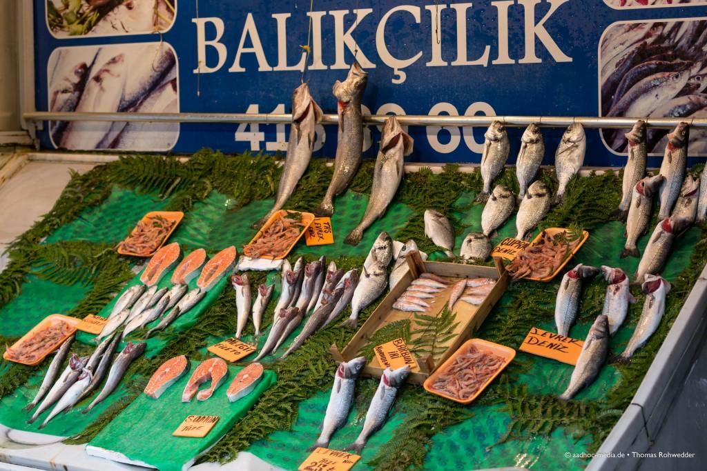 Frischer Fisch in Istanbul - Fotograf aus Kiel - ©Photo: aadhoc-media • Thomas Rohwedder