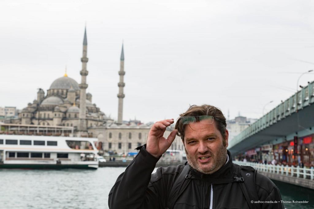 Der Momentalist in Istanbul - Fotograf aus Kiel - ©Photo: aadhoc-media • Thomas Rohwedder