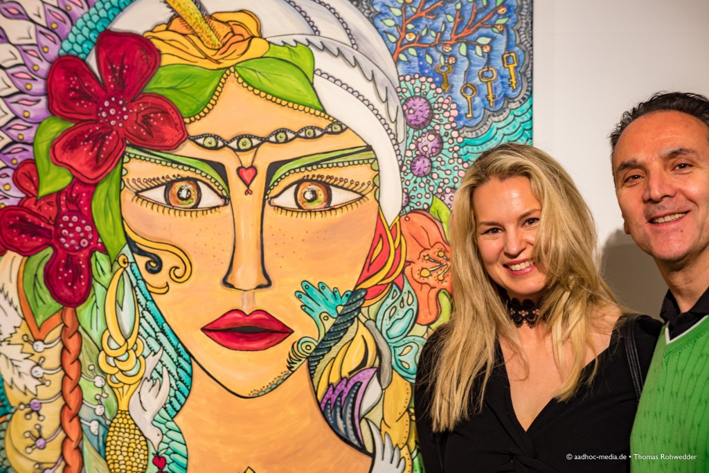 """Juli Bo und Cetin Yaman bei der Ausstellungseröffnung am 16.03.2017 """"Schimmer & Couleur"""" - Juli Bo • ©Photo: aadhoc-media.de • Thomas Rohwedder"""