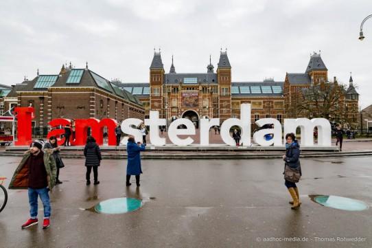 Amsterdam XXX mit seinen Spezialitäten wie Käse • Grachten • Museum • Fahrräder • Tulpen • Windmühlen